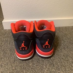 Nike Jordan's Retro 3's size 6y